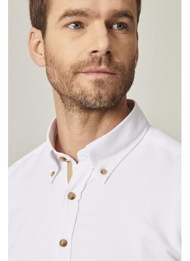 AC&Co / Altınyıldız Classics Tailored Slim Fit Dar Kesim Düğmeli Yaka Oxford Gömlek 4A2021100055 Beyaz